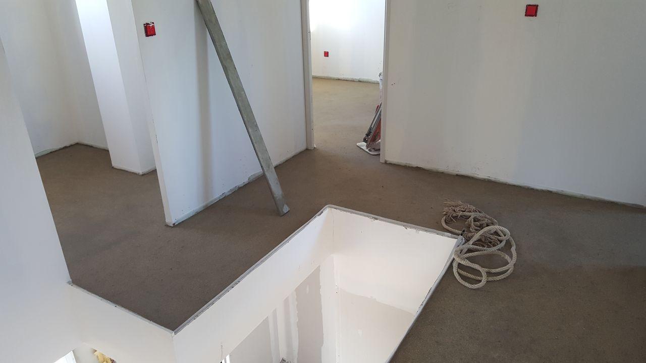 carrelage tage 16 f vrier 2016 passage evacuation. Black Bedroom Furniture Sets. Home Design Ideas