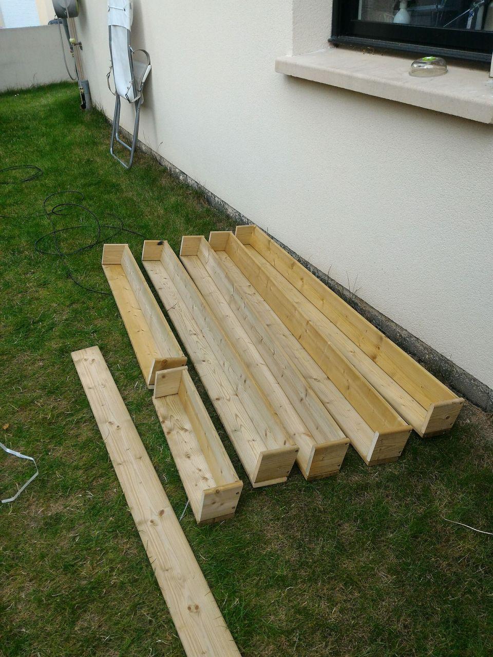 Panneaux bois pour cacher la haie partiellement morte