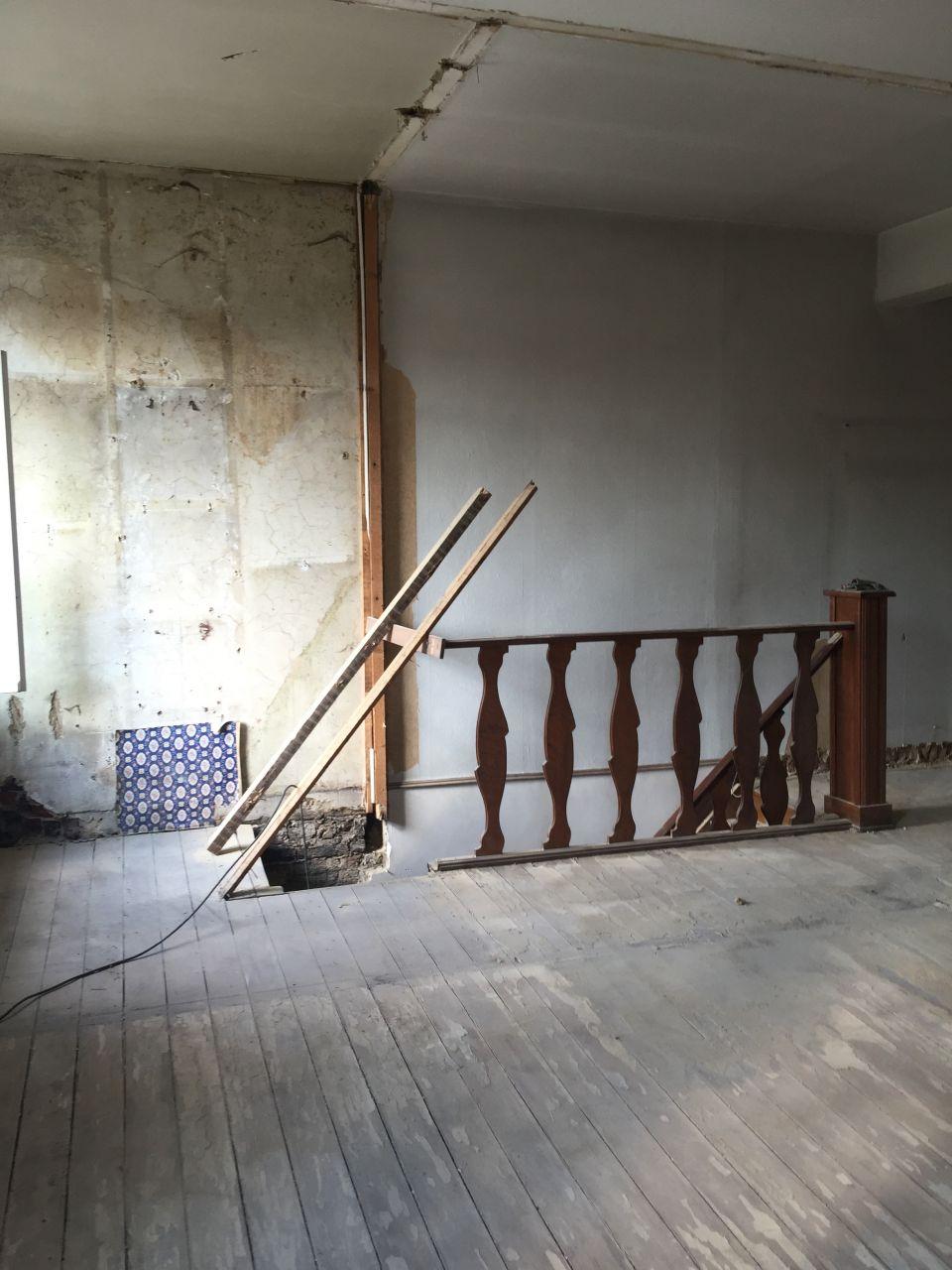 Démolition des cloisons de l'étage
