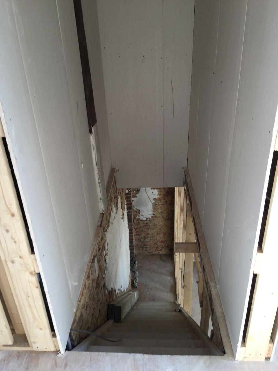 Cage d'escalier de la suite parentale vers le 1er étage