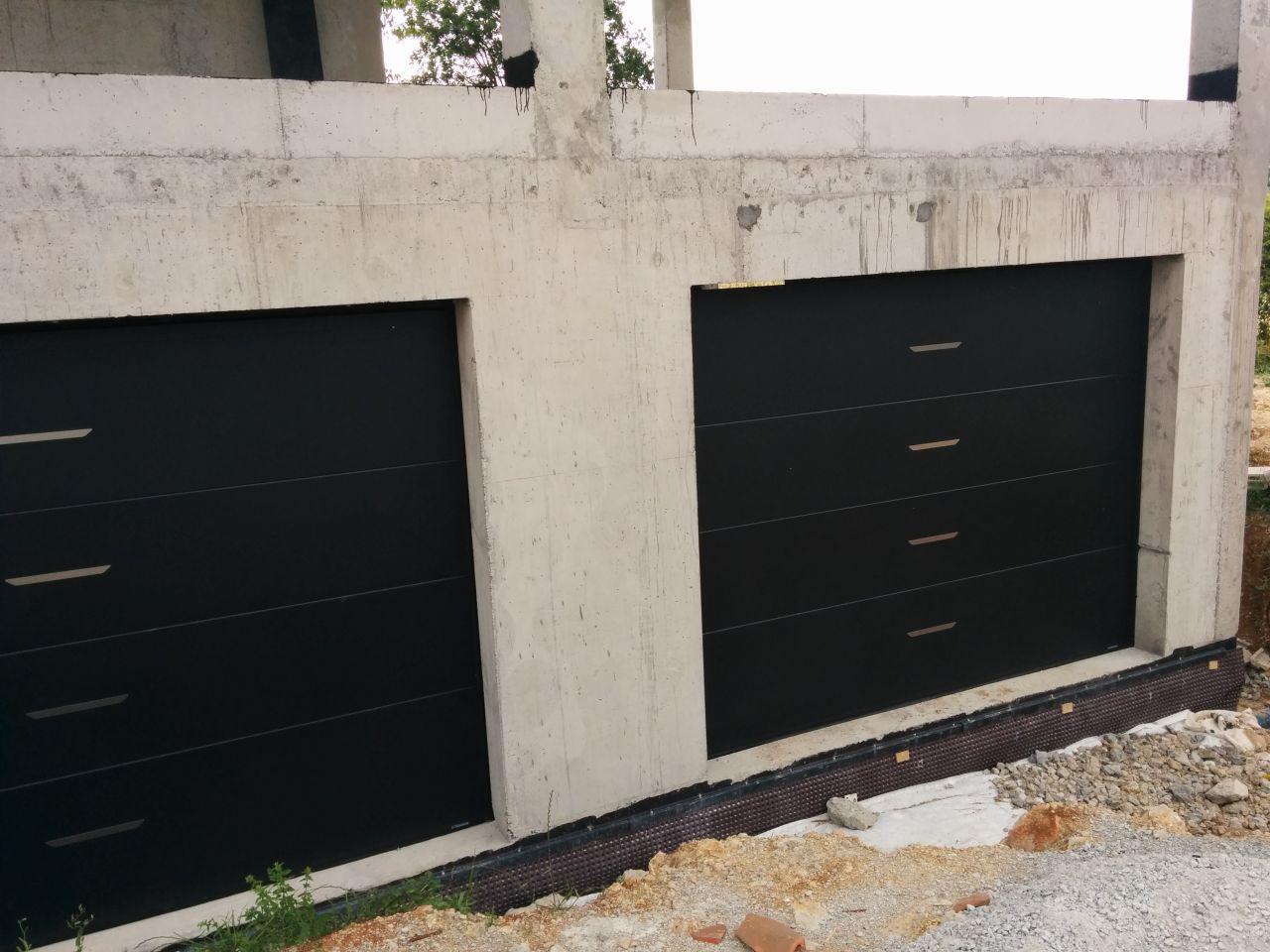 Les portes de garage installées