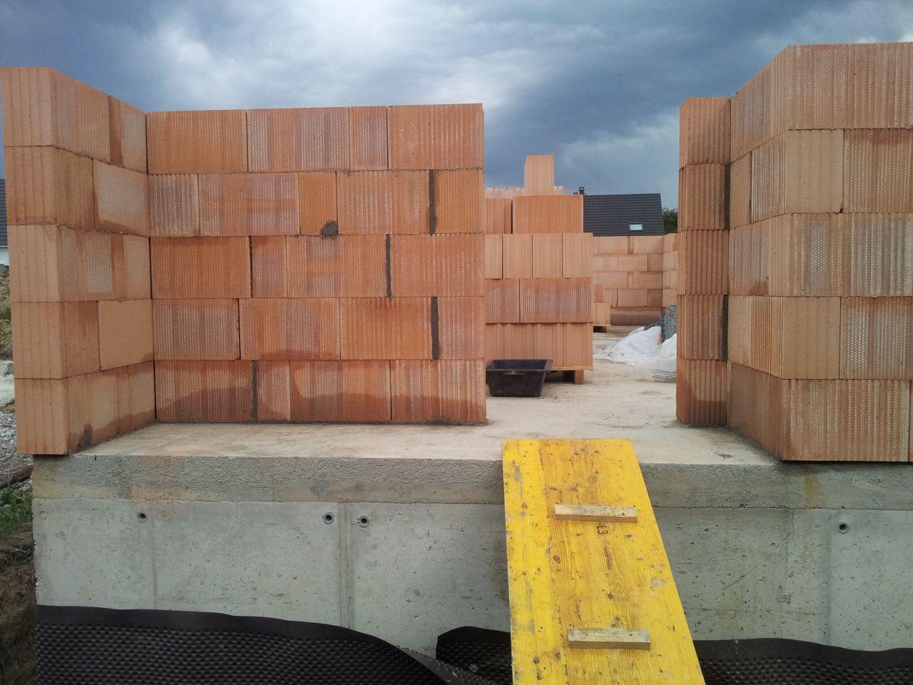 Élévation des murs côté nord (future entrée)