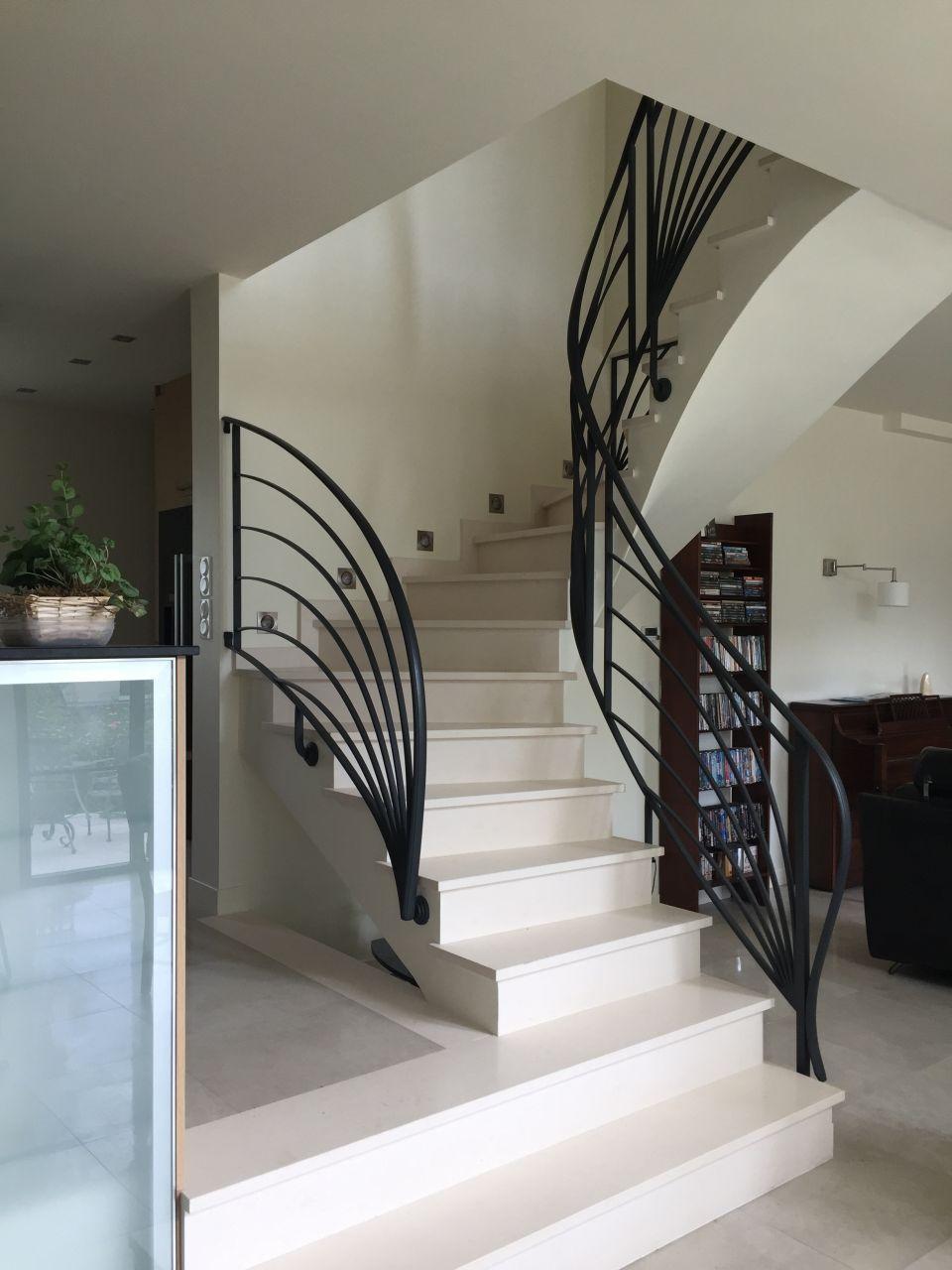 L'escalier en voute sarrasine et sa rampe en fer forgé