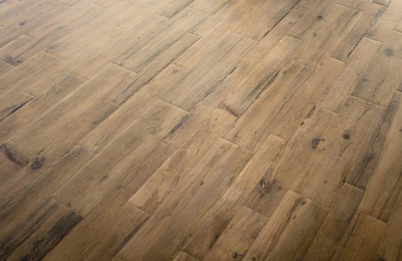 Carrelage façon parquet  <br /> Marque Millelegni, modèle Scottisk Oak