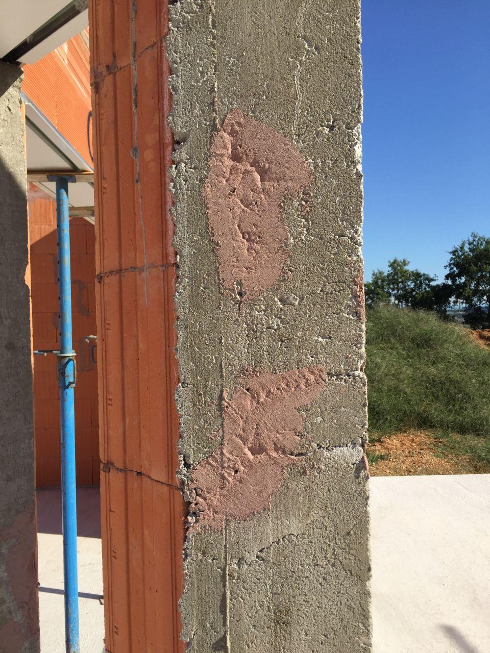 R alisation du porche fissures dans le b ton du coffrage for Reparer fissure appui de fenetre