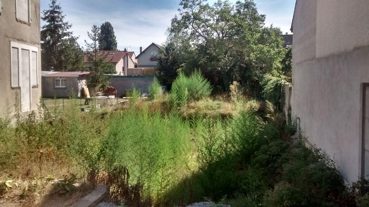 terrassement effectué et fondation en attente depuis mars 2016!