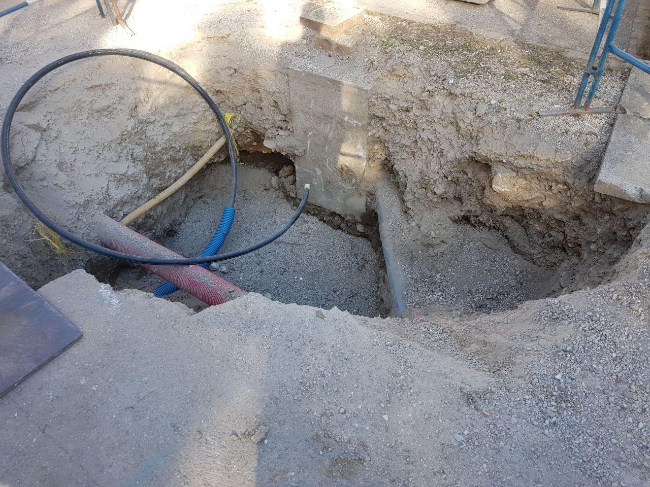 Trou pour raccordement eau potable