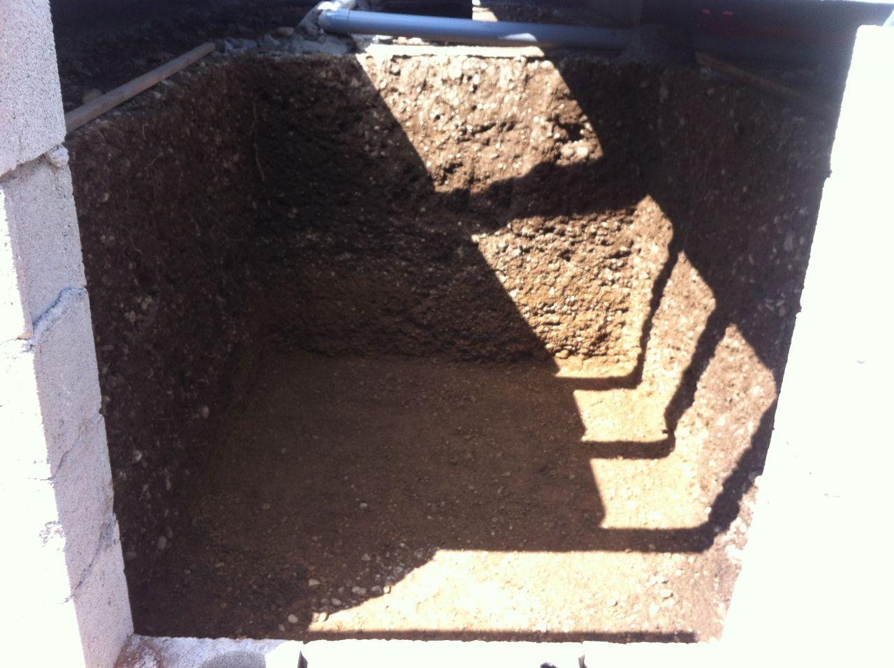 Ma cave à vin, creusée à la pioche en 2 WE