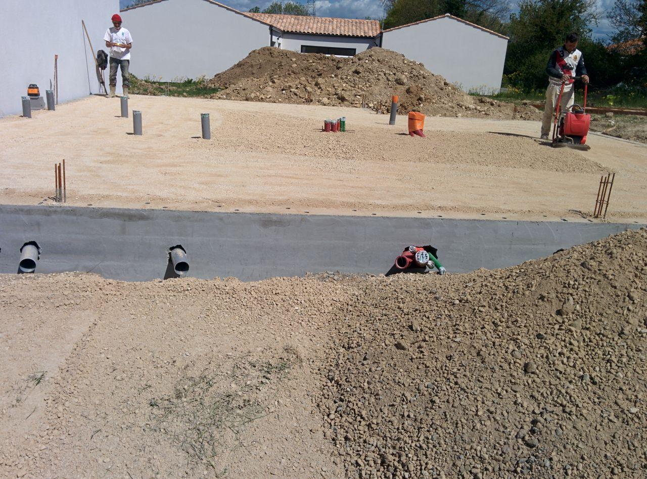Compactage du remblais du terre-plein