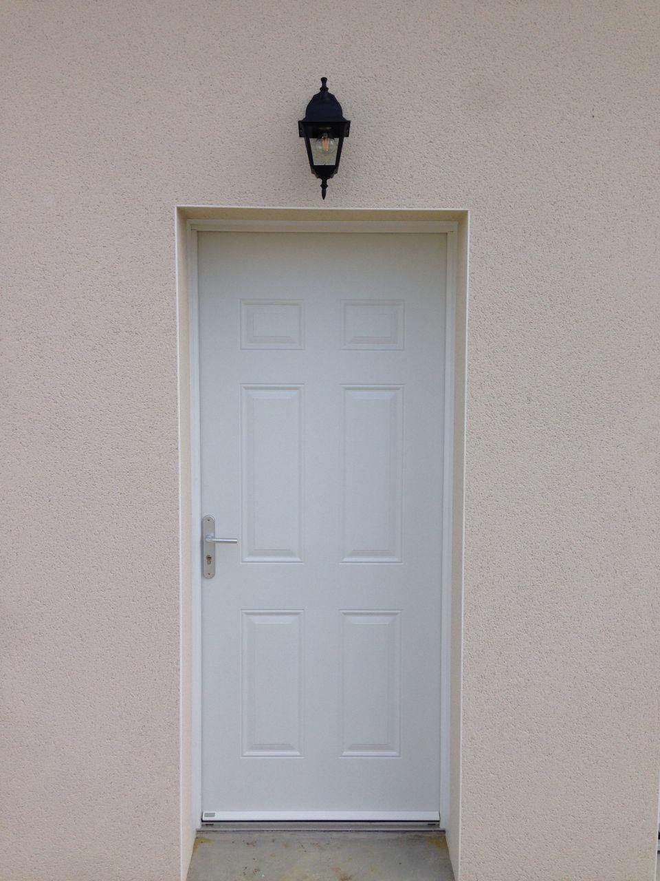 deplacement de l39eclairage de la porte d39entree salle de With porte d entrée pvc avec applique luminaire salle de bain