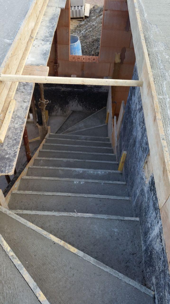 Haut de l'escalier d'accès à l'étage