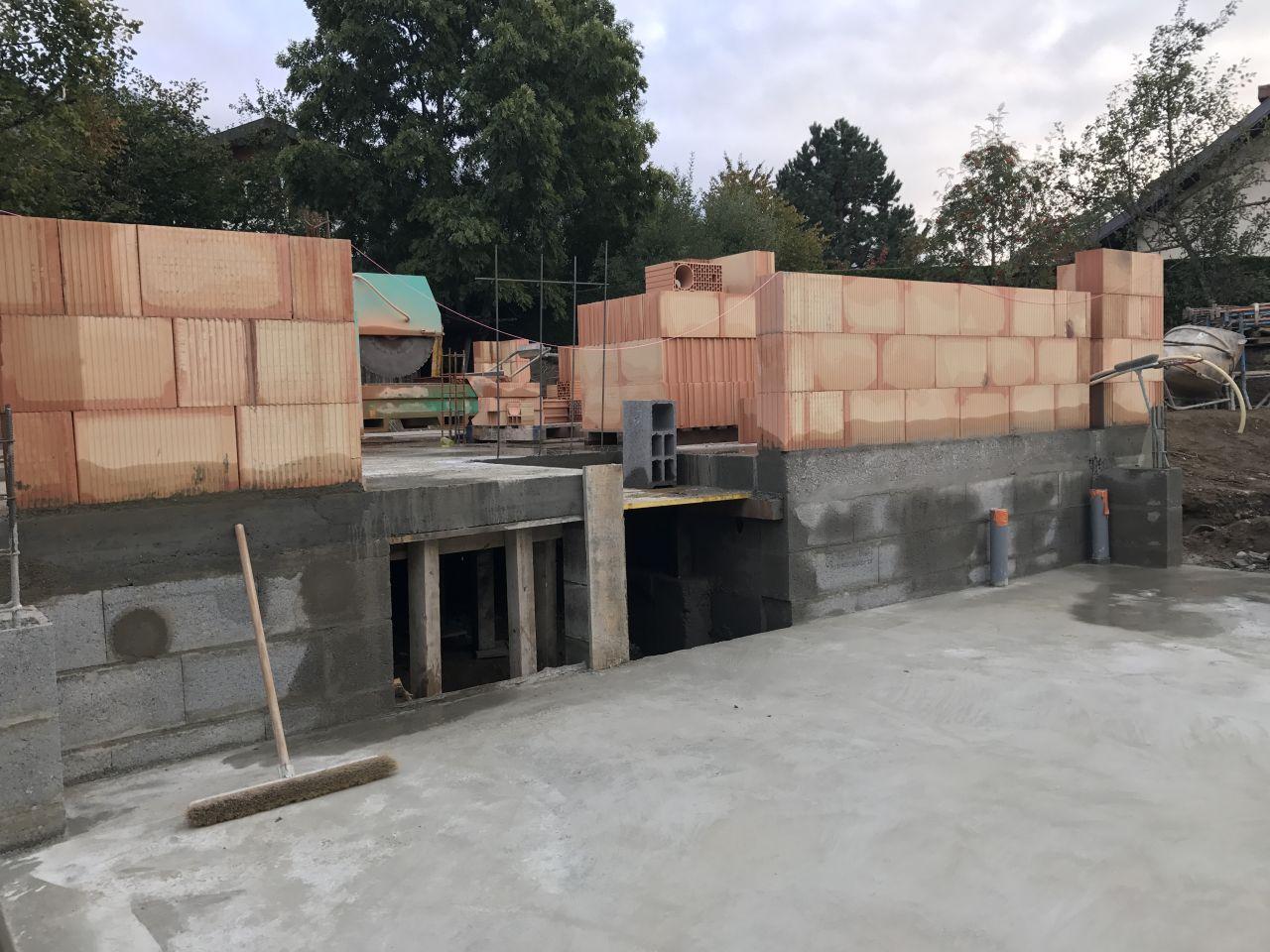 Emplacement du futur escalier + accès vide sanitaire