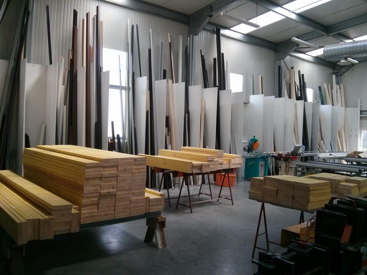 Les piles de bois pour les murs extérieurs