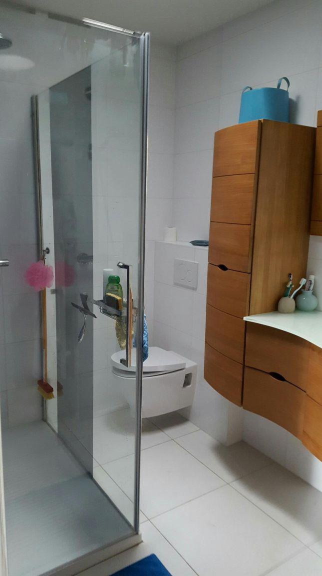 AJOUT PORTE DE DOUCHE dans notre salle de bains