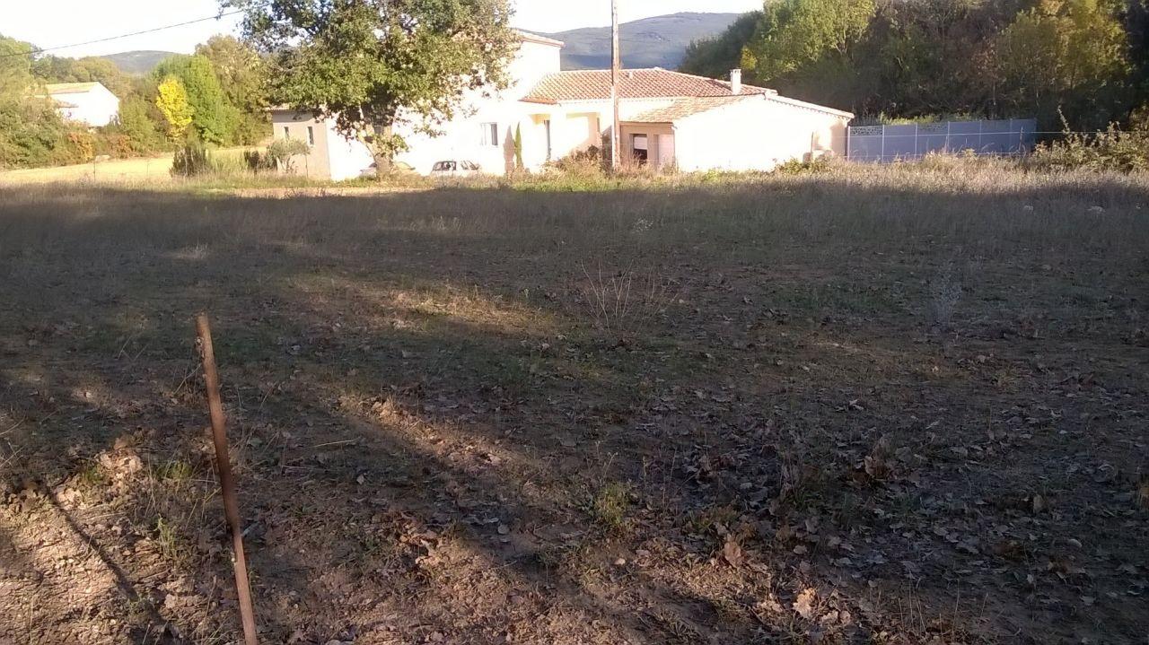 Photo vu depuis le terrain orientation sud est terrain for Orientation maison sur terrain