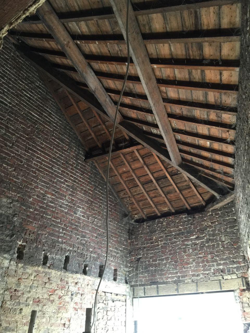 La charpente de l'annexe (6m haut)