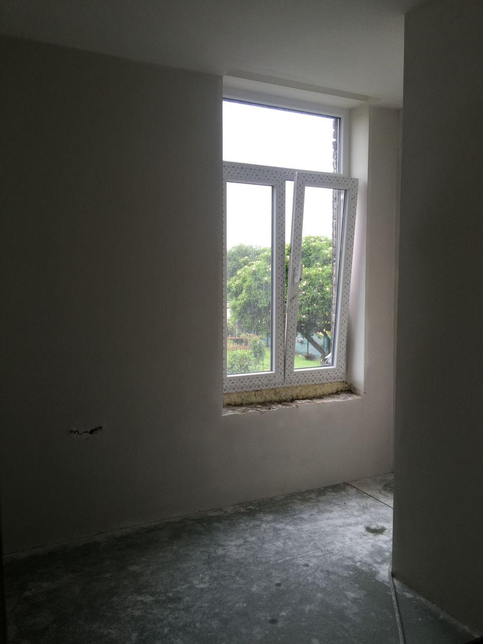 Le plafonnage du hall de la salle de bain du 1er sèche
