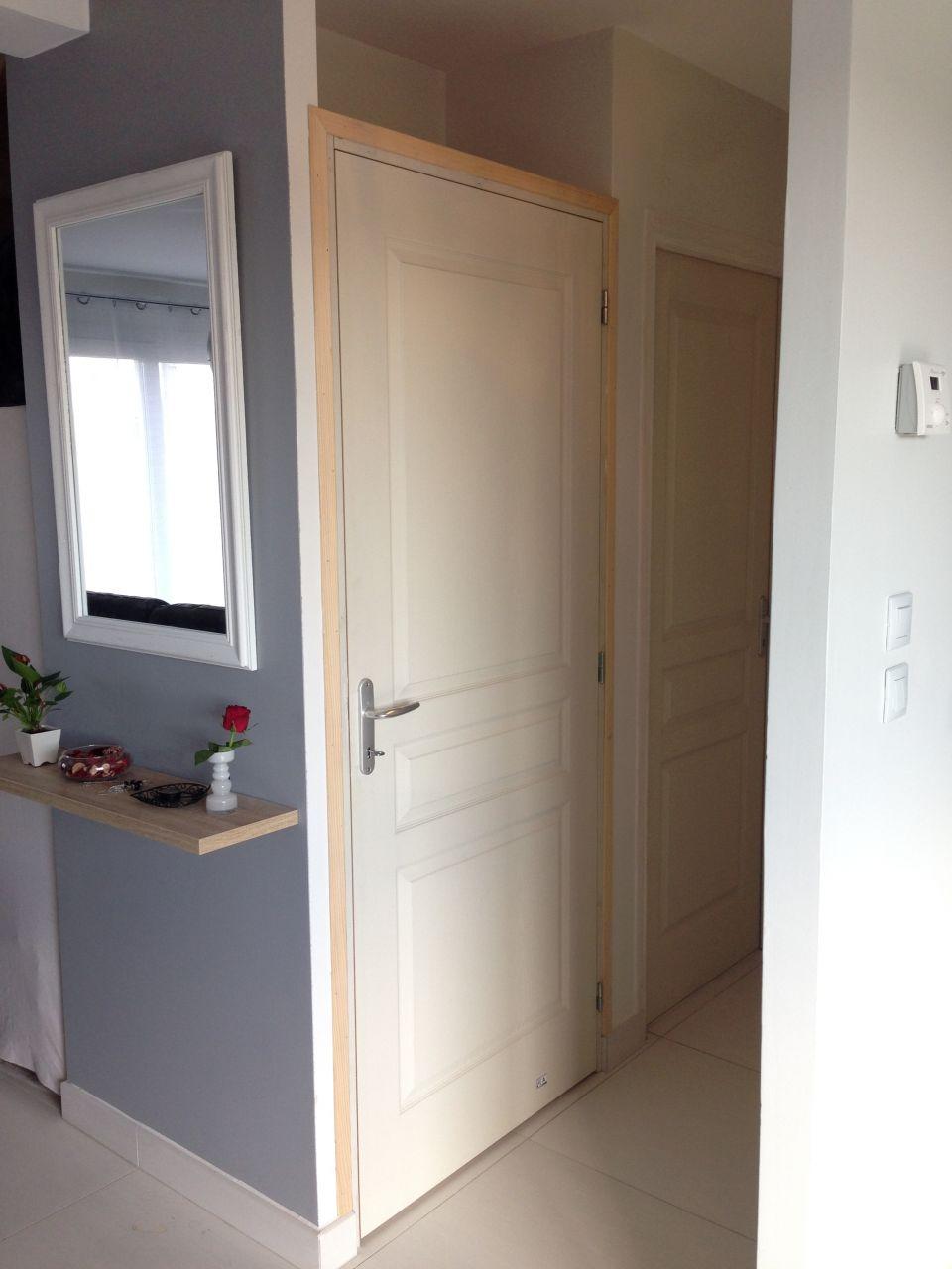 Porte de service vitr e et ajout d 39 une porte de placard ligueil indre e - Peindre une porte de garage ...
