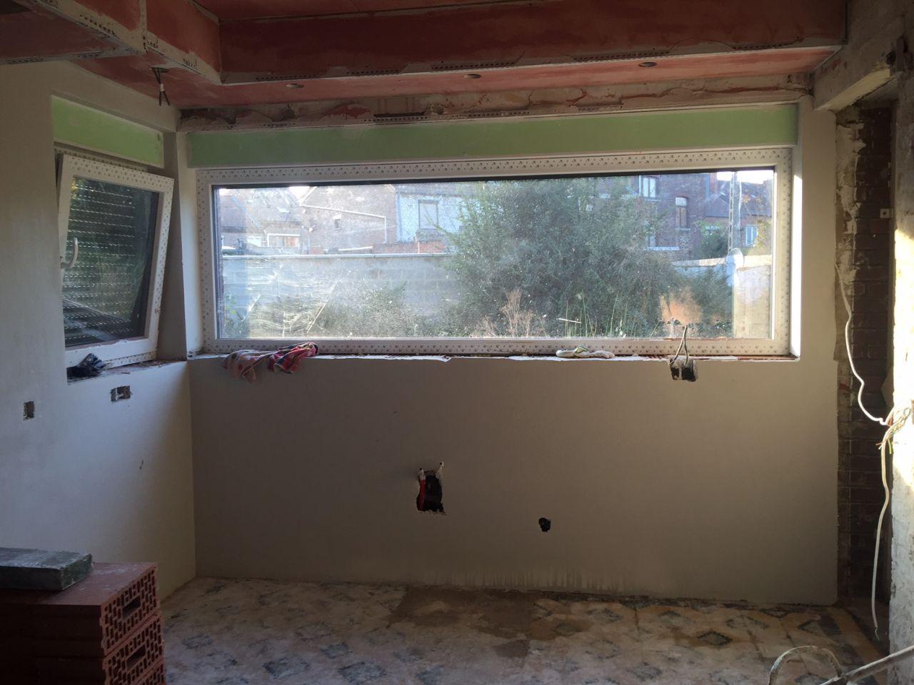 Le grand panoramique de la cuisine sous lequel se trouvera l'évier