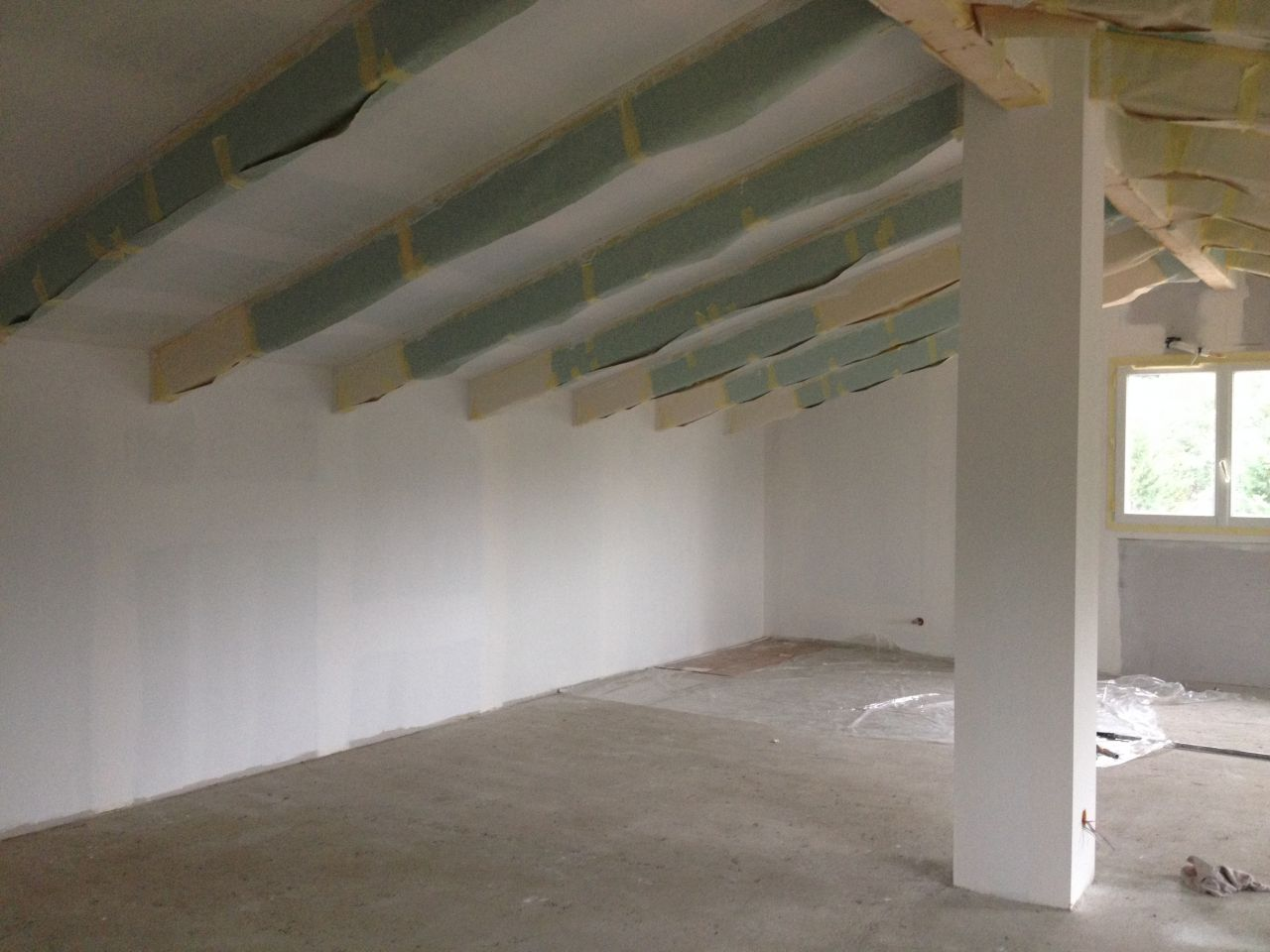 La peinture partie 1 grenier fini corse - Retouche peinture plafond ...
