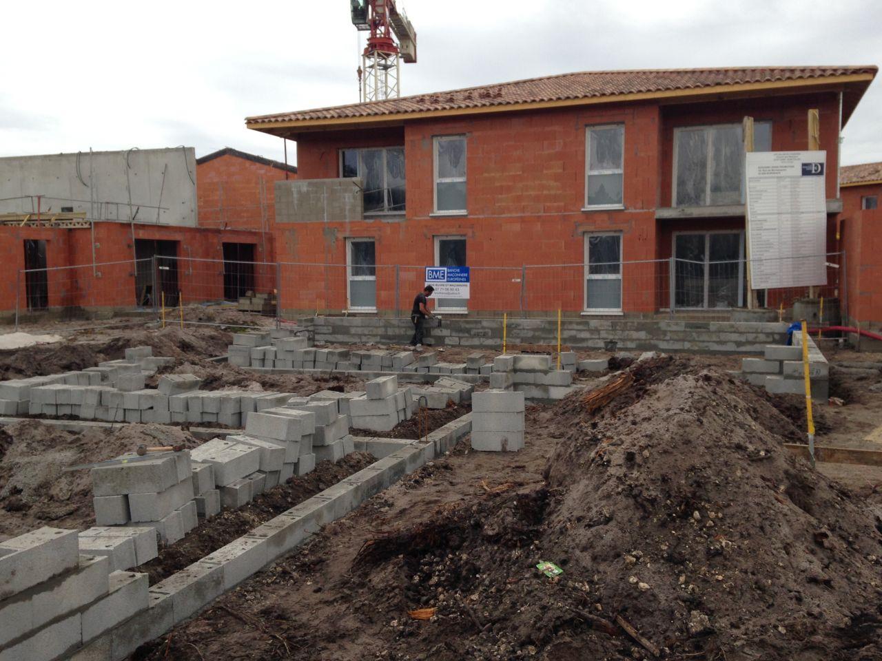 Construction mob saint jean d 39 illac constructeur for Meison construction