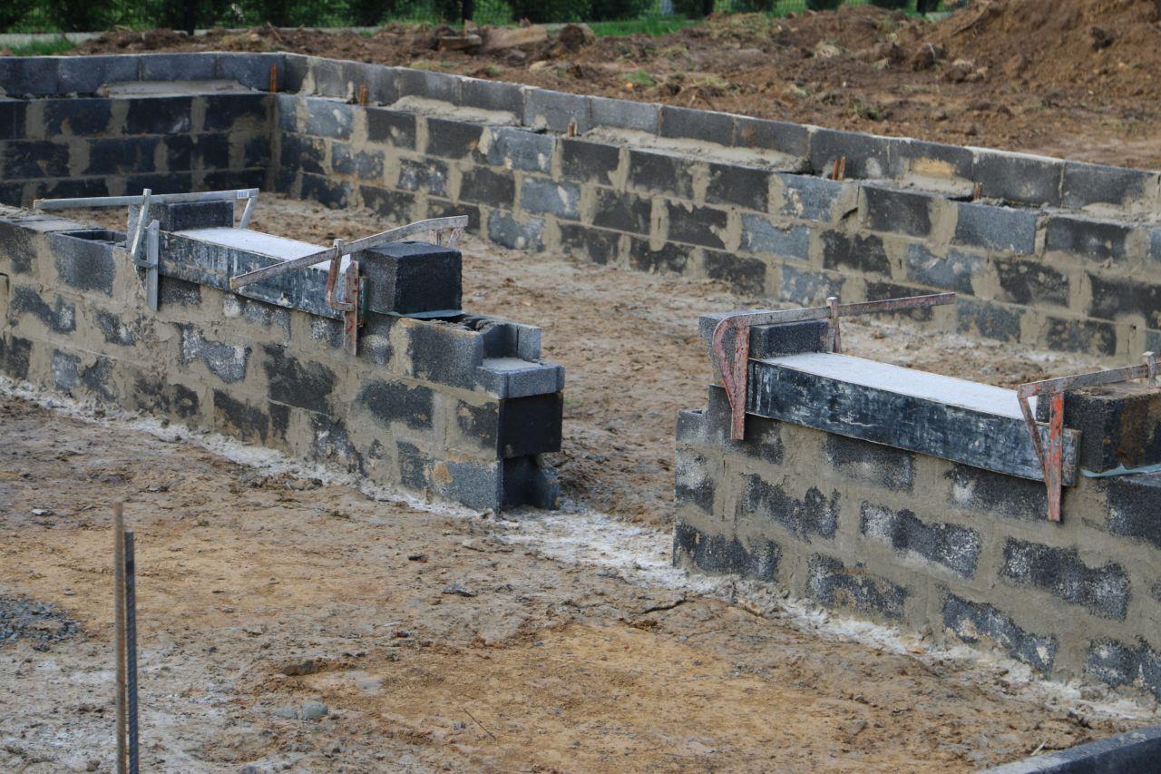 terrassement et fondations fondations maconnerie commenc e la longueville nord. Black Bedroom Furniture Sets. Home Design Ideas