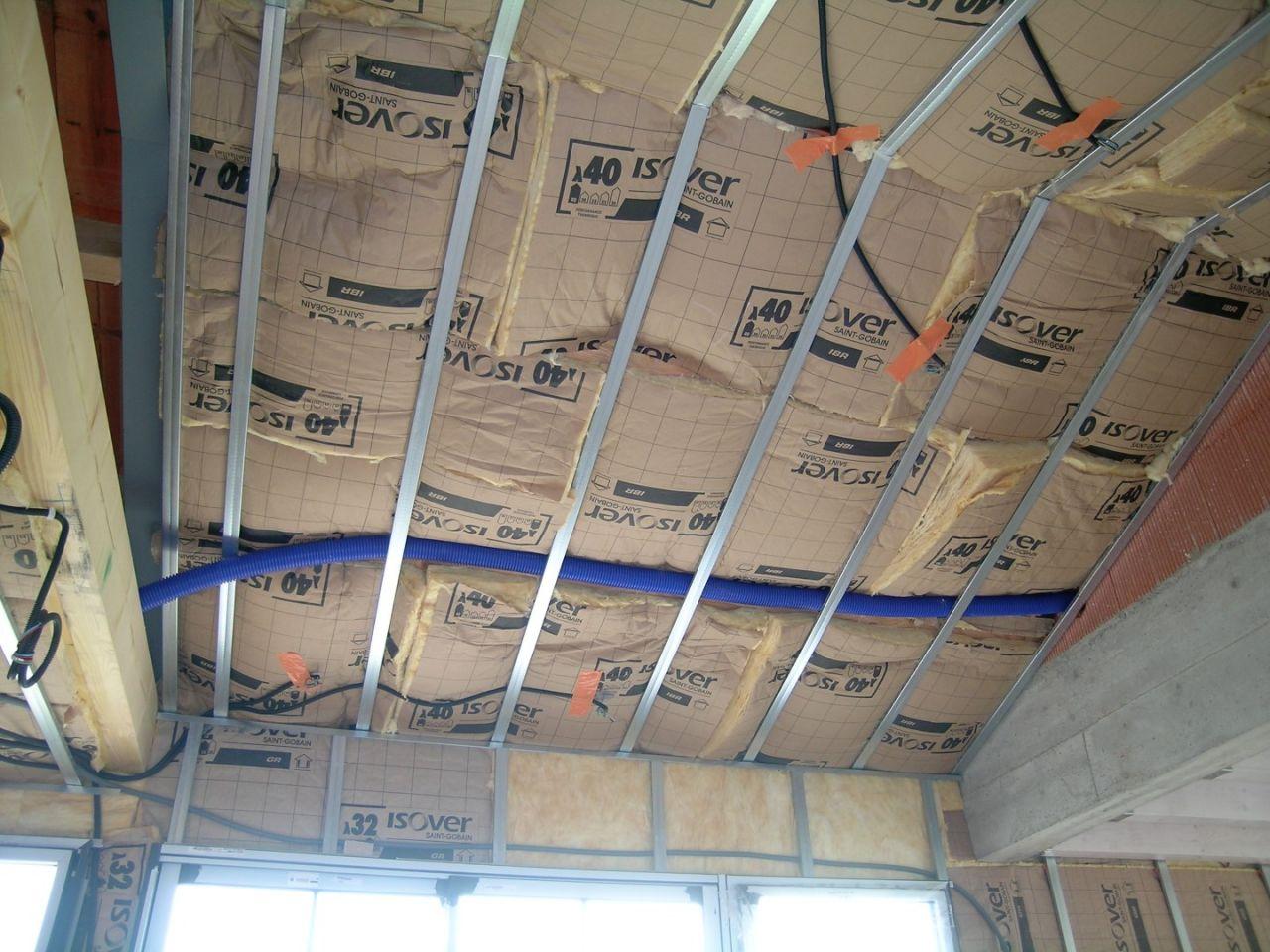 Isolation du plafond de la cuisine.