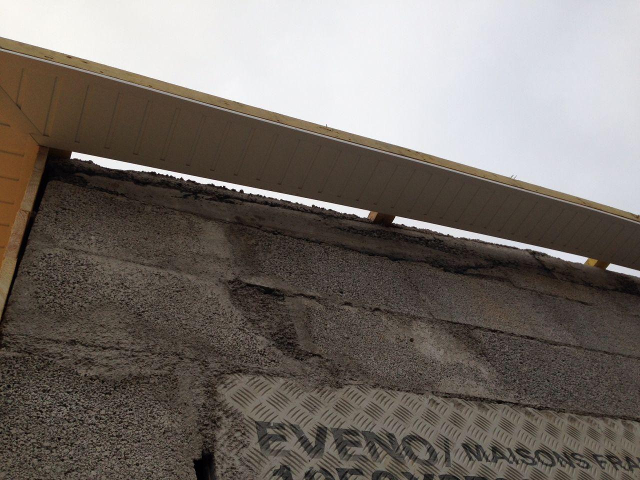 Cache-moineaux qui révèle que le mur n'est pas droit!!!
