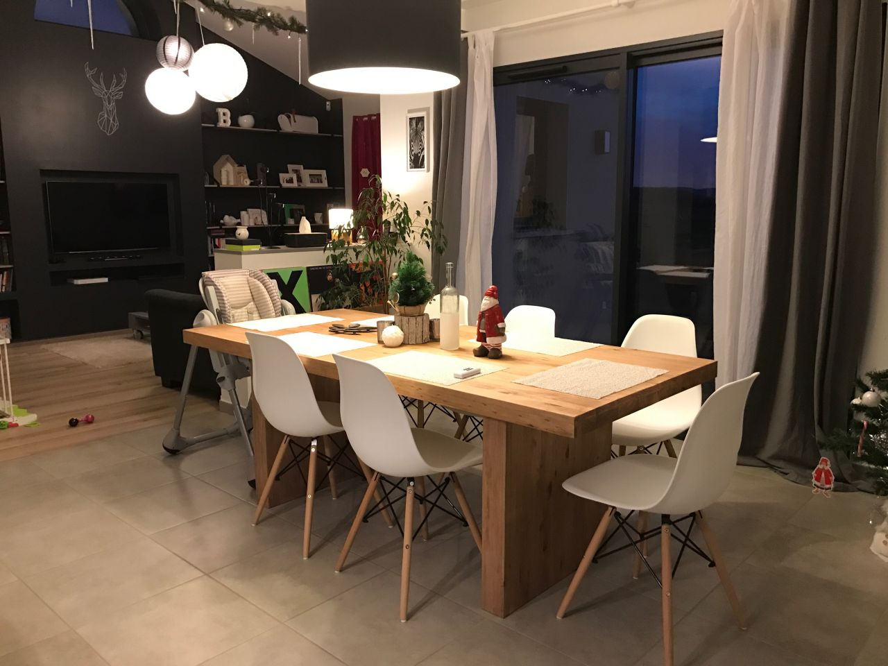 Nouvelle table et nouvelles chaises !