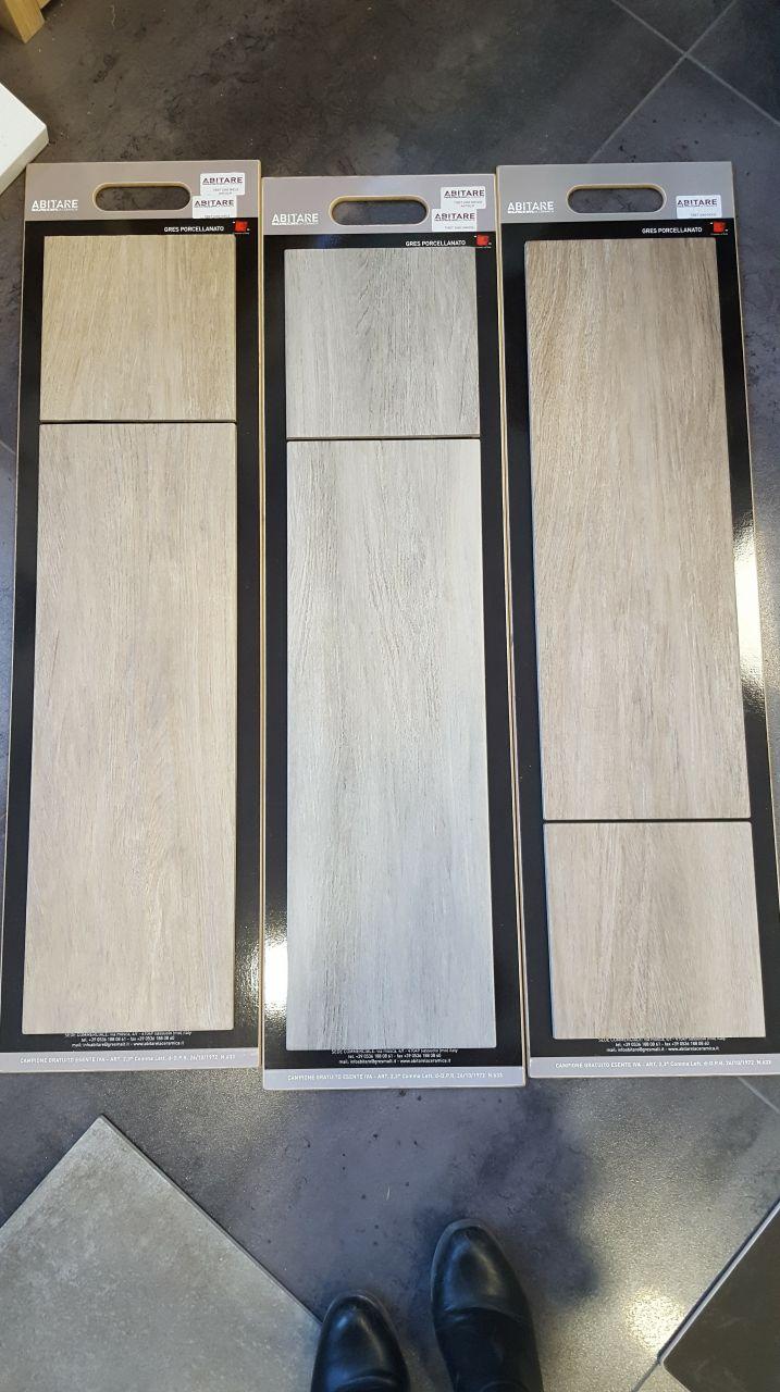 Carrelages effet bois pour les chambres... 3 choix possibles, nous nous orientons plutôt sur celui du milieu