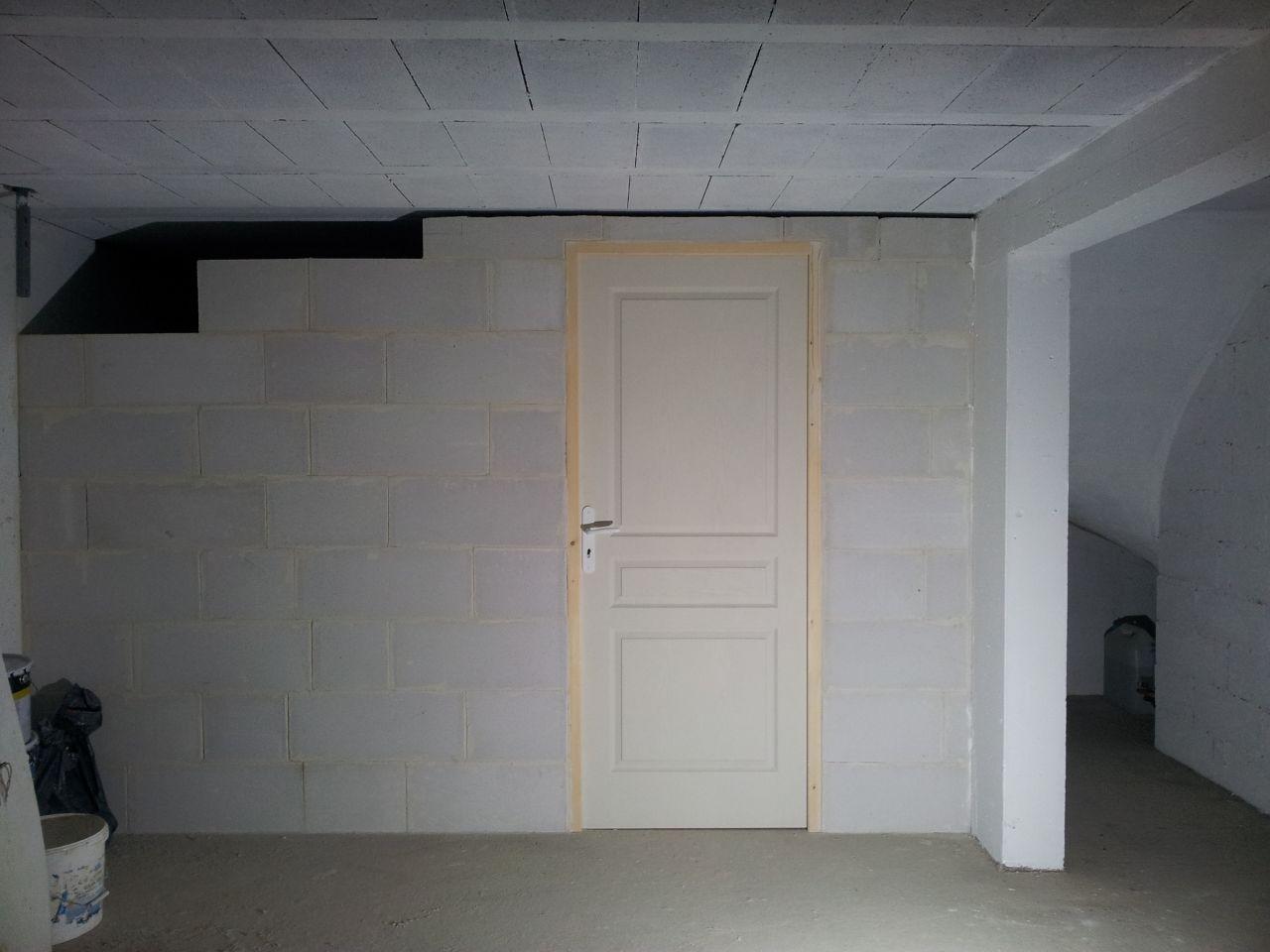 choix carrelage peinture sous sol cloison buanderie haut rhin. Black Bedroom Furniture Sets. Home Design Ideas