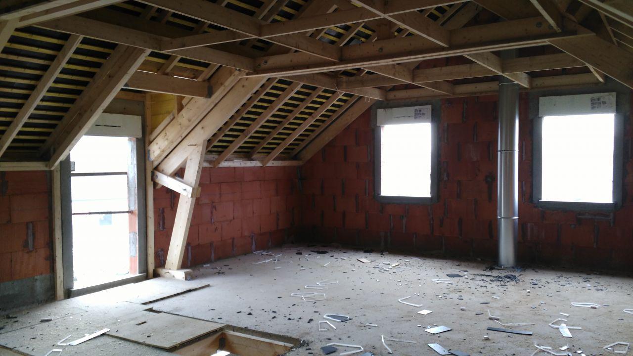 Charpente et couverture vue de l'intérieur (étage)