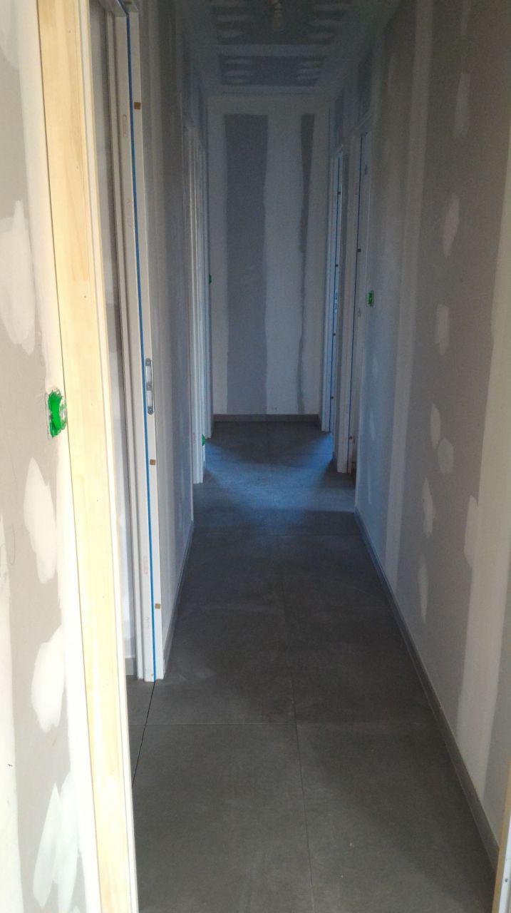 Carrelage 80x80 dans un couloir de 90 5 messages for Faience pour couloir