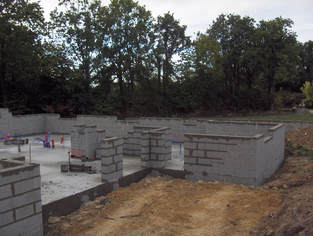 Dalle lit de gravier autres terrasse carrelage sur - Comment faire une terrasse en carrelage ...