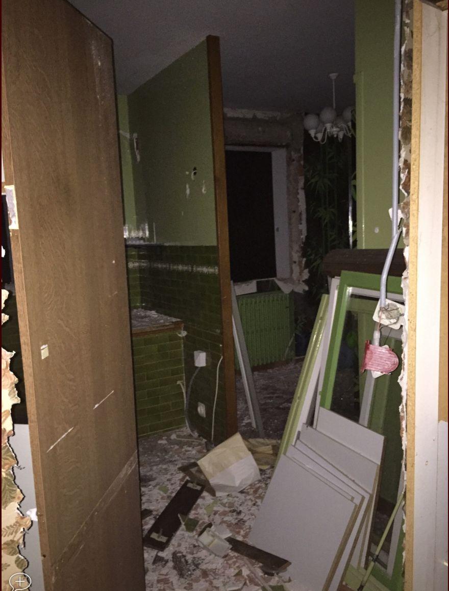 L'ancienne cuisine, qui sera complètement décloisonnée et ouverte sur le salon