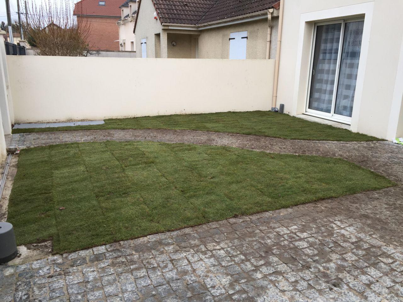 Enfin de la pelouse houilles yvelines for Nettoyage jardin 78