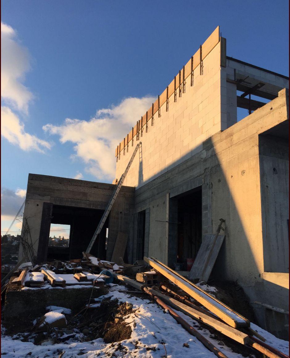 Coffrage en cours pour couler le toit