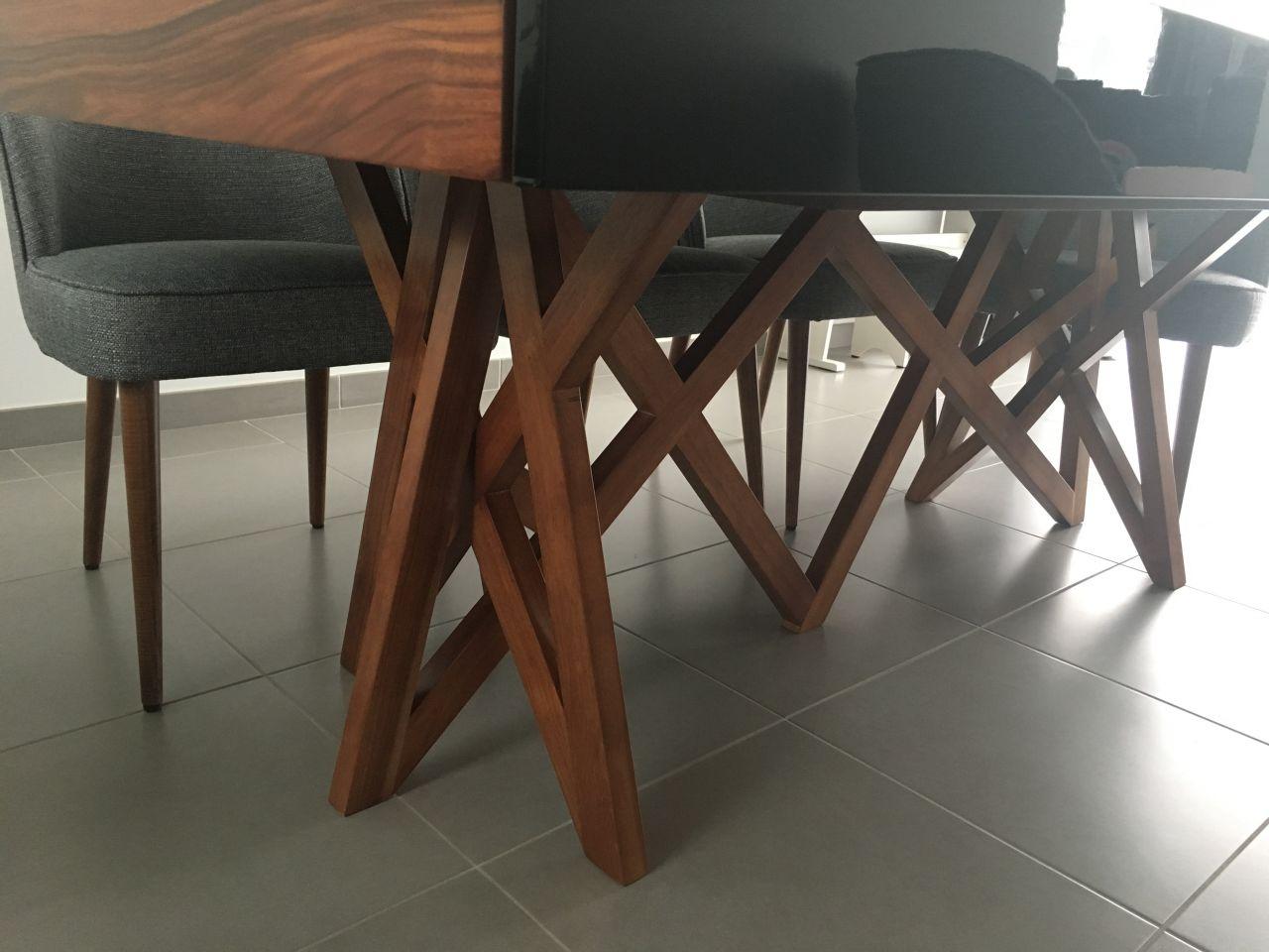 le pied de notre nouvelle table
