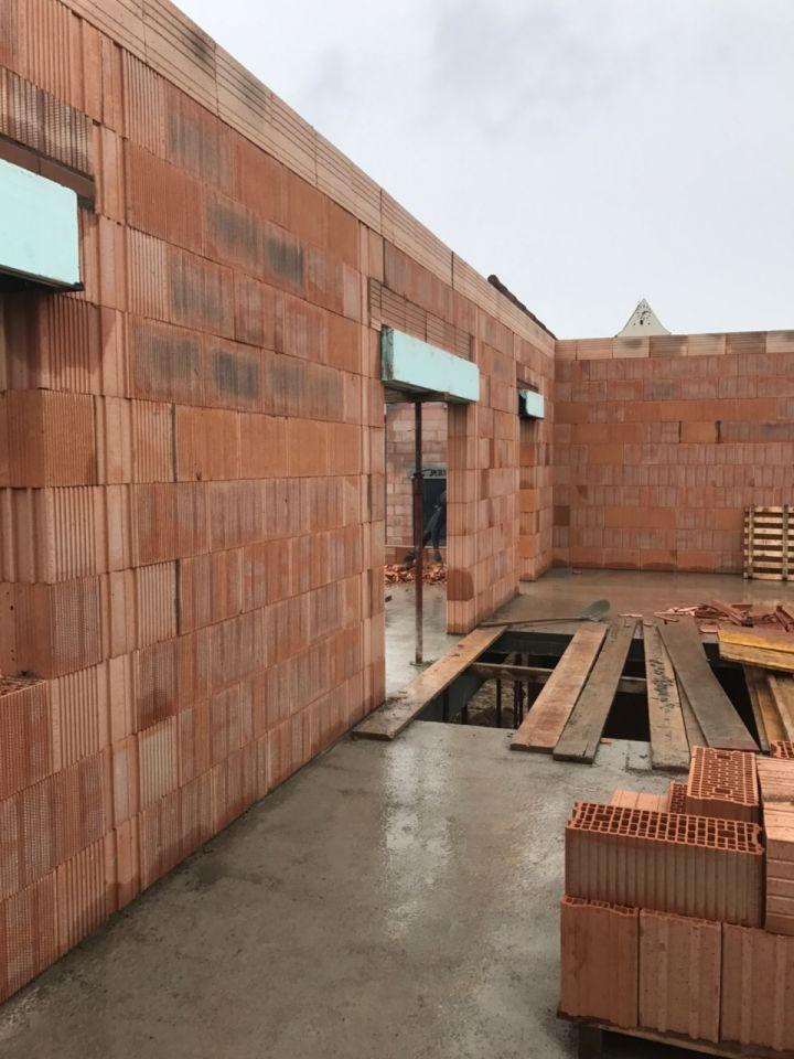Elevation des murs du 1er etage