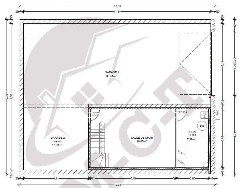 Sous-sol avec une partie garage, une salle de sport, une buanderie. <br /> Dans le futur il y aura un sauna avec douche installé dans la partie garage en bas à gauche