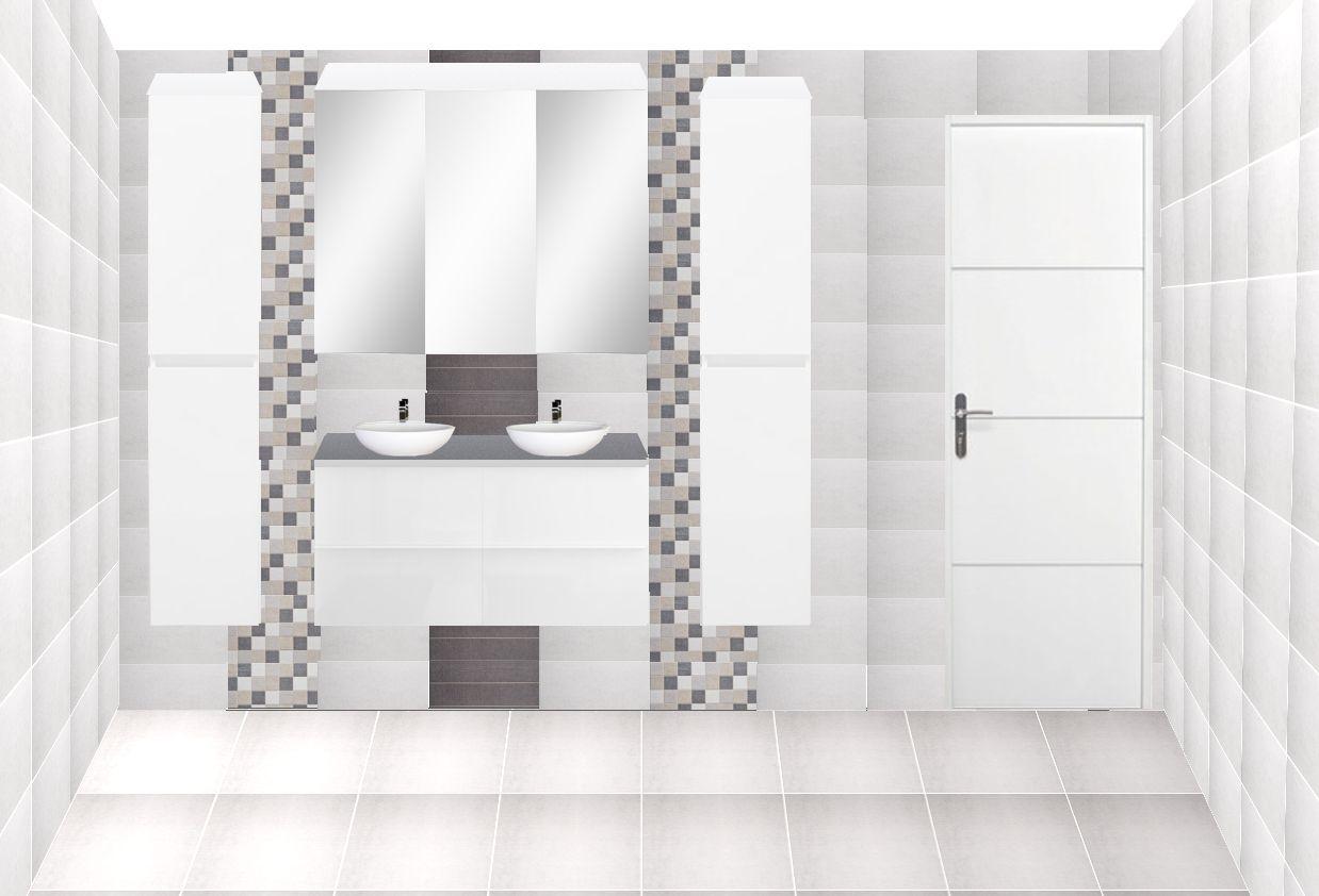 Salle de bain du rez de chaussée (côté double vasque et porte)