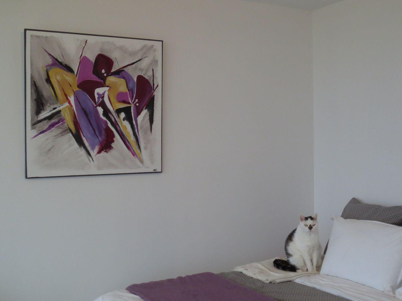 Voici mon dernier tableau ou j'ai mis du violet pour assortir à la chambre. On fait la déco avec les moyens du bord !!!
