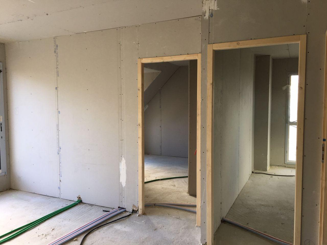 Etage : Mezzanine + entrée chambre 2 et 3