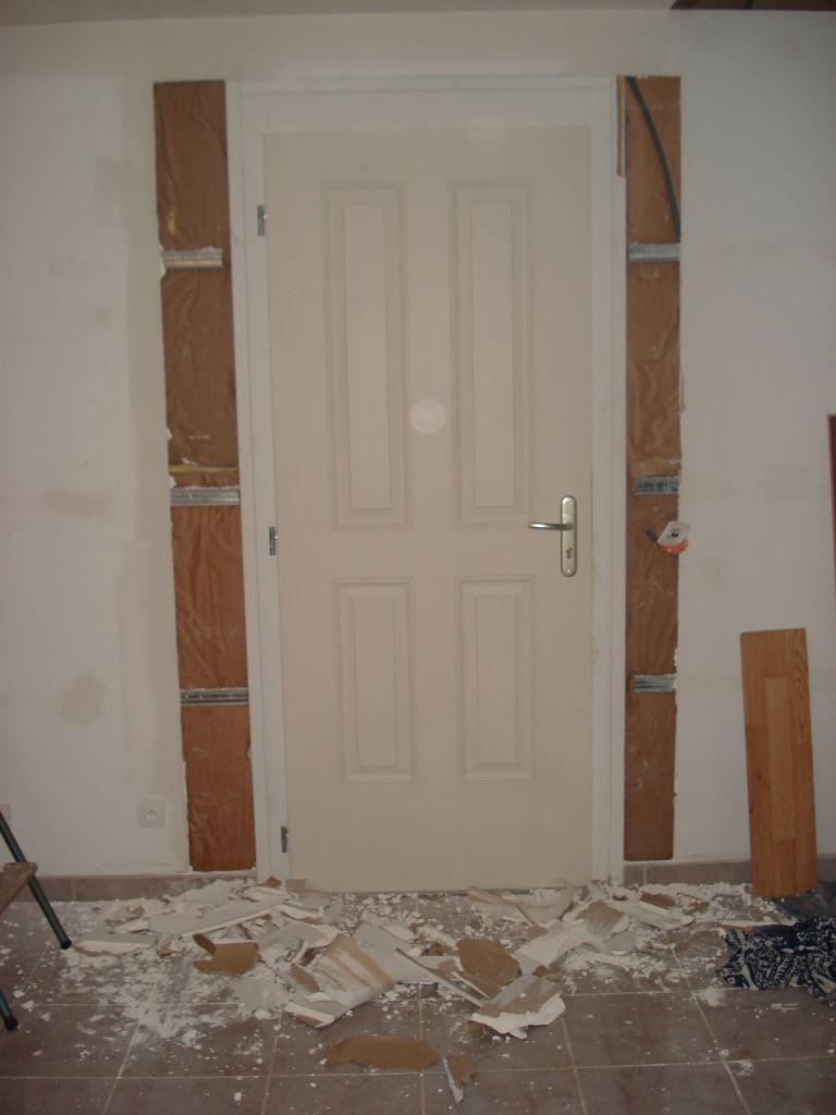 changement porte d 39 entr e pb de porte r gl e pour de bon avanc e des travaux du we du 11. Black Bedroom Furniture Sets. Home Design Ideas