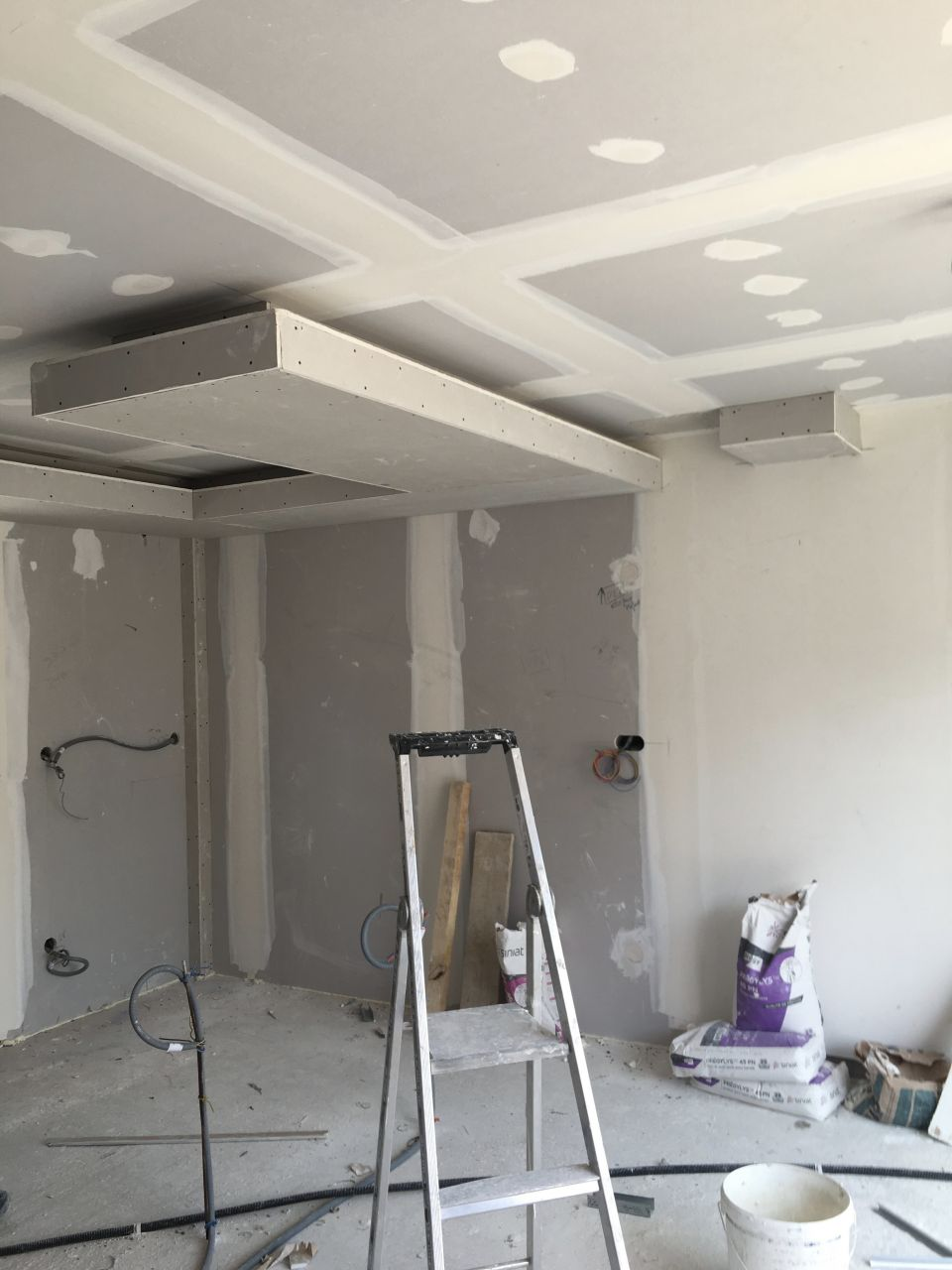 Notre faux plafond de cuisine!