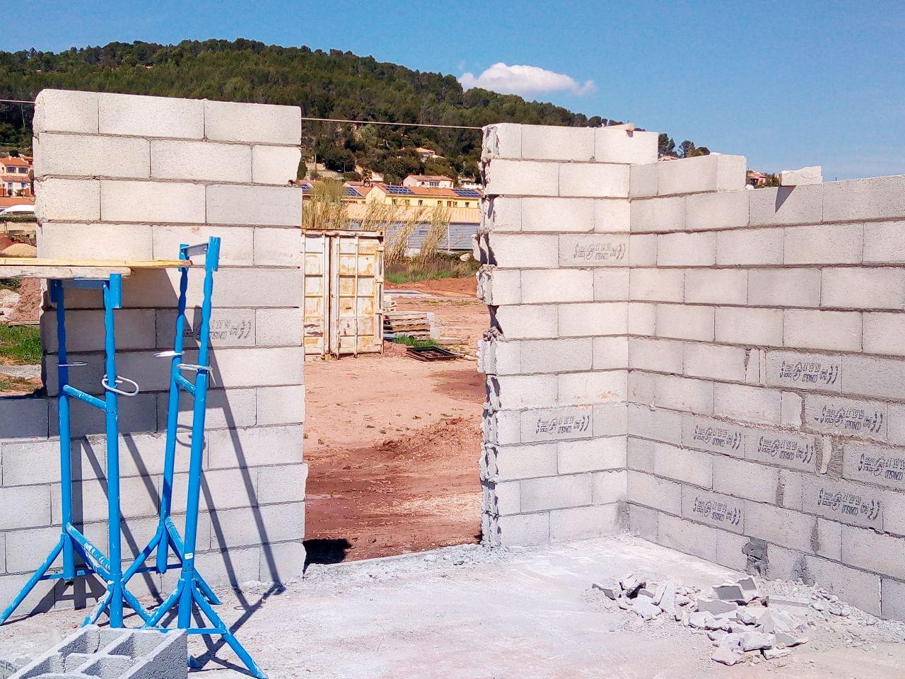 Livraison et montage des murs travail baclé