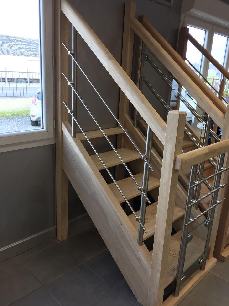 Escalier à barreau en métal brossé CMSP