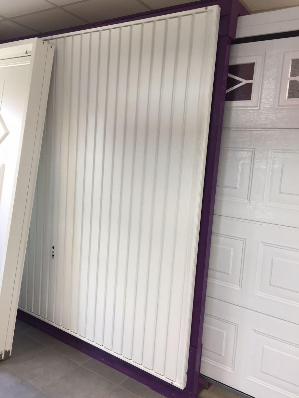 Porte garage métallique à bandeaux CMSP