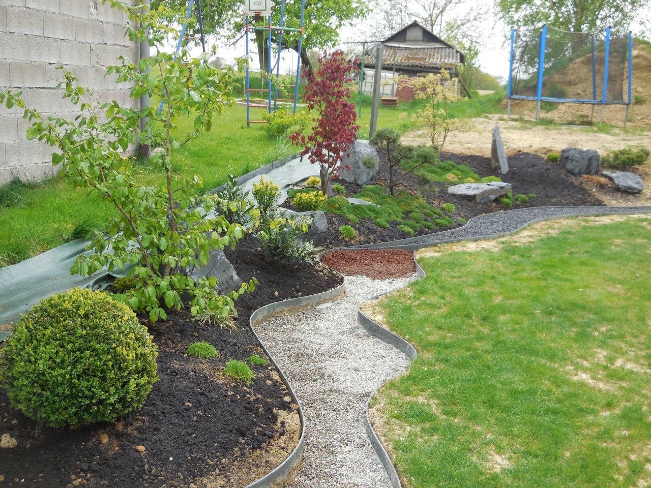 Jardin structuré en cours ....
