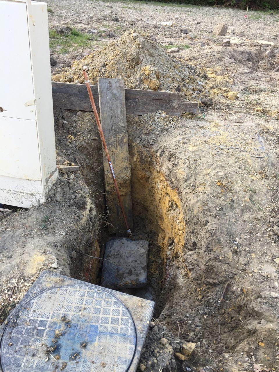 Installation d'un tuyau pour robinet de chantier